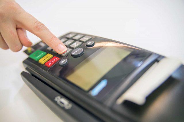Saiba como controlar as transações de cartões.